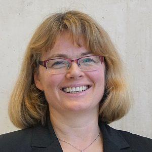 Prof. Dr. Tatjana Steusloff - Professorin für Wirtschaftswissenschaften, Unternehmensberaterin  & Dozentin